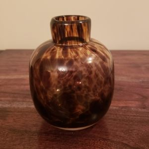 NWT Pier 1 Vase in Brown